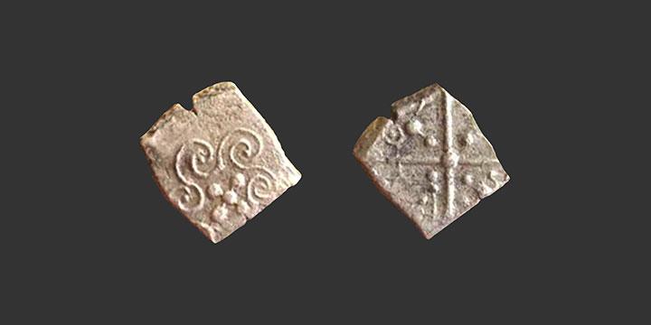 Monnaie gauloise drachme à la croix inédite