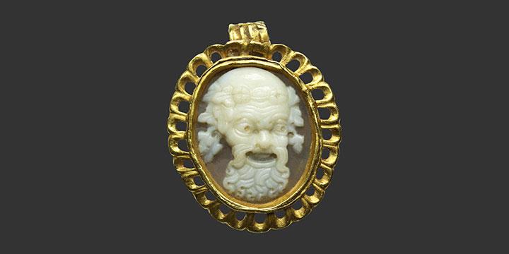 Camée romain sur monture d'or